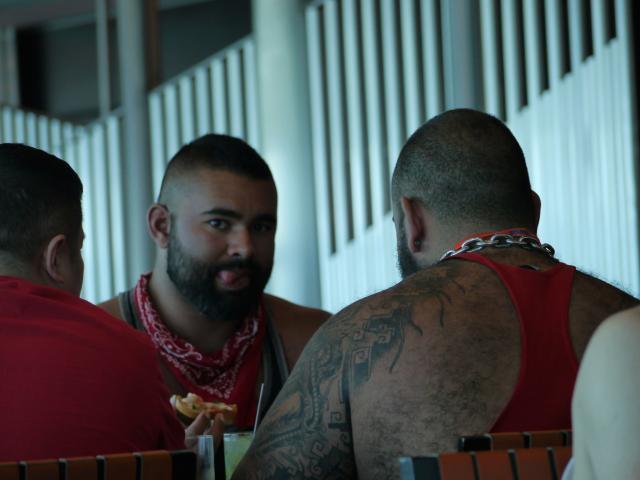 rencontre entre gay cruises à Saint Ouen sur Seine
